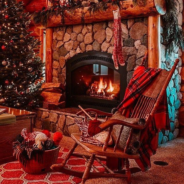Christmas fireplace room